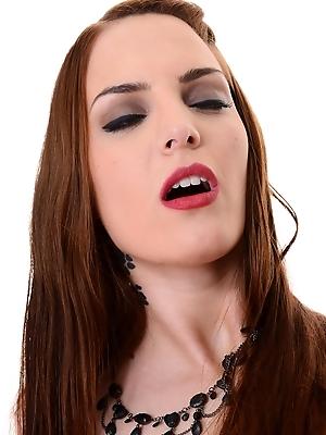 Lyen Parker - Kiss'n Tell